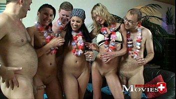 3 Bi-Girls Amanda, Sandy and Chiara need cocks for fuck party