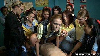 Schoolgirl Suck Off - Brandi Belle 5分钟