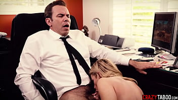 Nasty big tits blonde MILF Jessa Rhodes sucking husbands dick in his office 6分钟