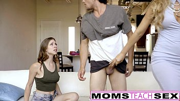 MomsTeachSex - My BF Caught & Punished By Step-Mom 12分钟