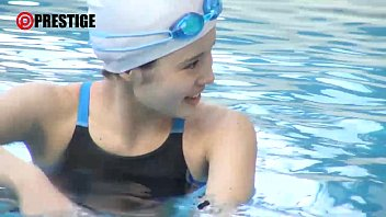A Certain Famous Medical College 4 Year Swimming Club Freestyle Player  Flower S