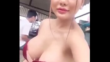 Hot Girl Moon 2k Livestream Lộ Vú Khủng @@