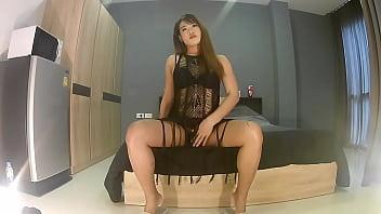 Clip sex Ladyboy Mint strips and masturbates. Part 1 of 4.