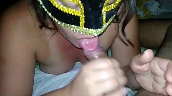 Esposa fazendo boquete profissional com direito a gozada na boca