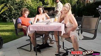 Bailey Brooke and Reagan Foxx threesome