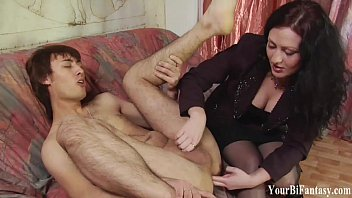 Prostate orgasm finger - Kinky guy gets a prostate massage