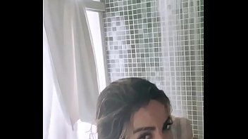 Anitta leaks breasts while taking a shower