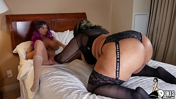 Huge booty curvy model fucks a dukes Doll