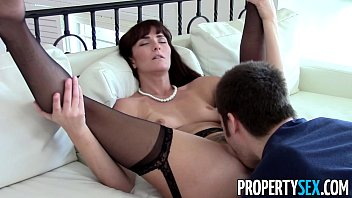 PropertySex - Sexy MILF agent makes dirty homemade sex video with client porno izle