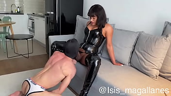 Isis Magallanes Trans active breaking the ass of a bottom submissive