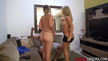Lucky catching two hot blondes 4 min