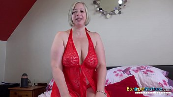 EuropeMaturE Shooting Star Playing with Big Tits
