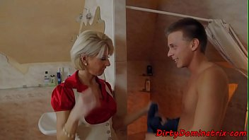 Dominatrix cougar screwed by young sub guy