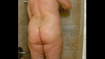 """BIGGBUTT2XL IN THE SHOWER APRIL 1ST 2021(CHECK MY PROFILE TO MEET) <span class=""""duration"""">7 min</span>"""