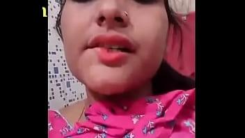 desi indian teen girl making her nude video for her boyfriend