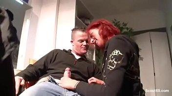 German Redhead - Rothaarige Teen Friseurin fickt mit ihrem Kunden auf Arbeit fuer extra Trinkgeld