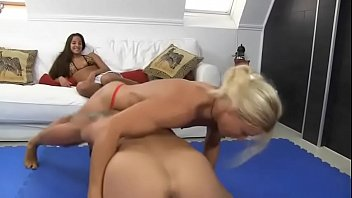 Blonde strong girl dominate.MP4