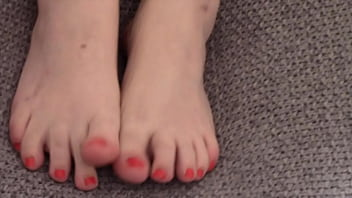 BBW Mistress Tina Snua Wears Opaque Stockings & Shows Off The Tops Of Her Bare Feet