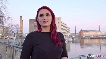 GERMAN SCOUT - Rothaarige Studentin Melina bei Strassen Casting fuer Geld gefickt 13分钟