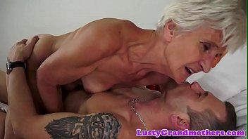 Saggy grandma gets her hairy pussy fucked
