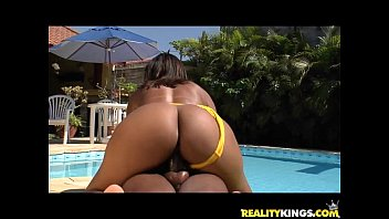 Cassia Moreno get her sweet brazilian pussy healed properly