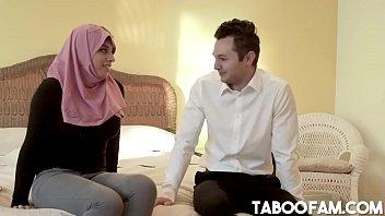 Ella Knox Has Dirty Family Sex In Dubai 8 min