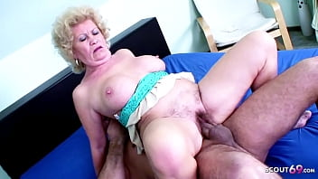 82yr OLD GRANNY WIHT HAIRY PUSSY SEDUCE TO FUCK BY YOUNG BOY