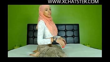Hijabi Cam Mode l Twerking Her Beautiful Ass A Beautiful Ass At  Xchatster Com