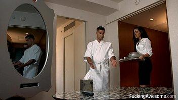 FuckingAwesome - Room Service 8分钟