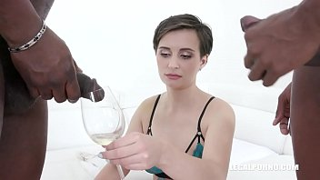 Lola Ferrari gets fucked & drinks african champagne for the first on camera IV436
