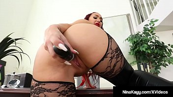 Show tits punishment - Big butt babe nina kayy punishes all her small cock fans