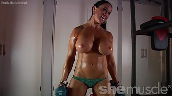 Muscle woman xxx - Naked female bodybuilder loves showing off her huge tits
