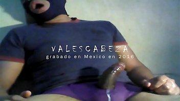"ValesCabeza169 WIDESCREEN version(RE-EDITED) PURPLE SPEEDO MOCOS! PUNHETOTA derramo leche en speedo morado <span class=""duration"">8 min</span>"