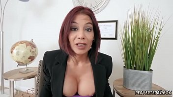 Getting caught by bosss mom Ryder Skye in Stepmother Sex Sessions