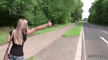 Skinny Teen nach der Schule mit genommen und gefickt