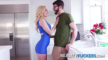 Desesperate Milf Seduces the Friendly Plumber