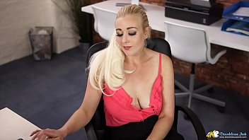 Office Hottie Talks The CUM Out Of You With Her Juicy Natural Breasts! Awesome Downblouse!