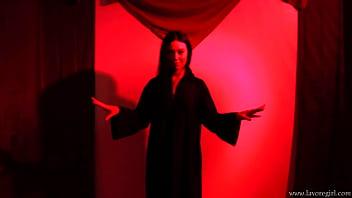 Megan Maiden performs a forbidden ritual! 68秒