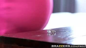 Brazzers - Making Up For Lost TimeNina Dolci and Sean Lawless.mp4