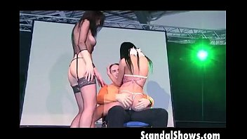 Seattle strip clubs lap dance - 2 stunning strippers pleasing a guy