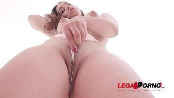 Hot latina slut Ginebra Belluci double penetrated by two huge cocks thumbnail