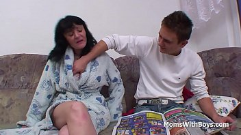 Mom had sex with her son - Busty mother fucking sons cock