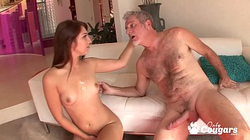 Ariana Grand Lets Stepdaddy Slide His Dick Inside Her Teen Pussy