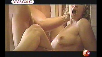 "Marcela Osorio - 'Infieles' CHV - ""La Nana"" Escena sexo en el baño"