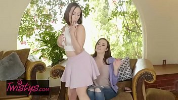 Lesbian fingureing - Mom knows best - chanel preston , jenna sativa - reward offered - twistys