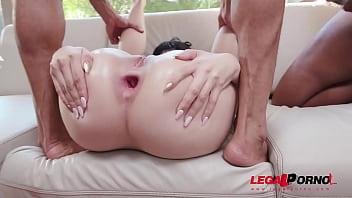 Hot Latina Yenifer CHP Double Anal Fucked By 3 Huge Cocks YE094