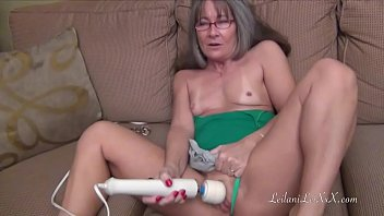 Long handle vibrator Leilani lei masturbates and squirts m6