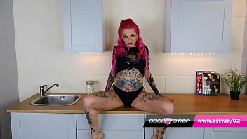 British alternative girl Harley Bee strips off at Babestation