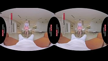 RealityLovers VR - British Cousin is a Cocklover