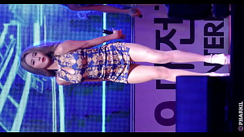公众号【是小喵啦】韩国女团情趣旗袍性感高跟热舞